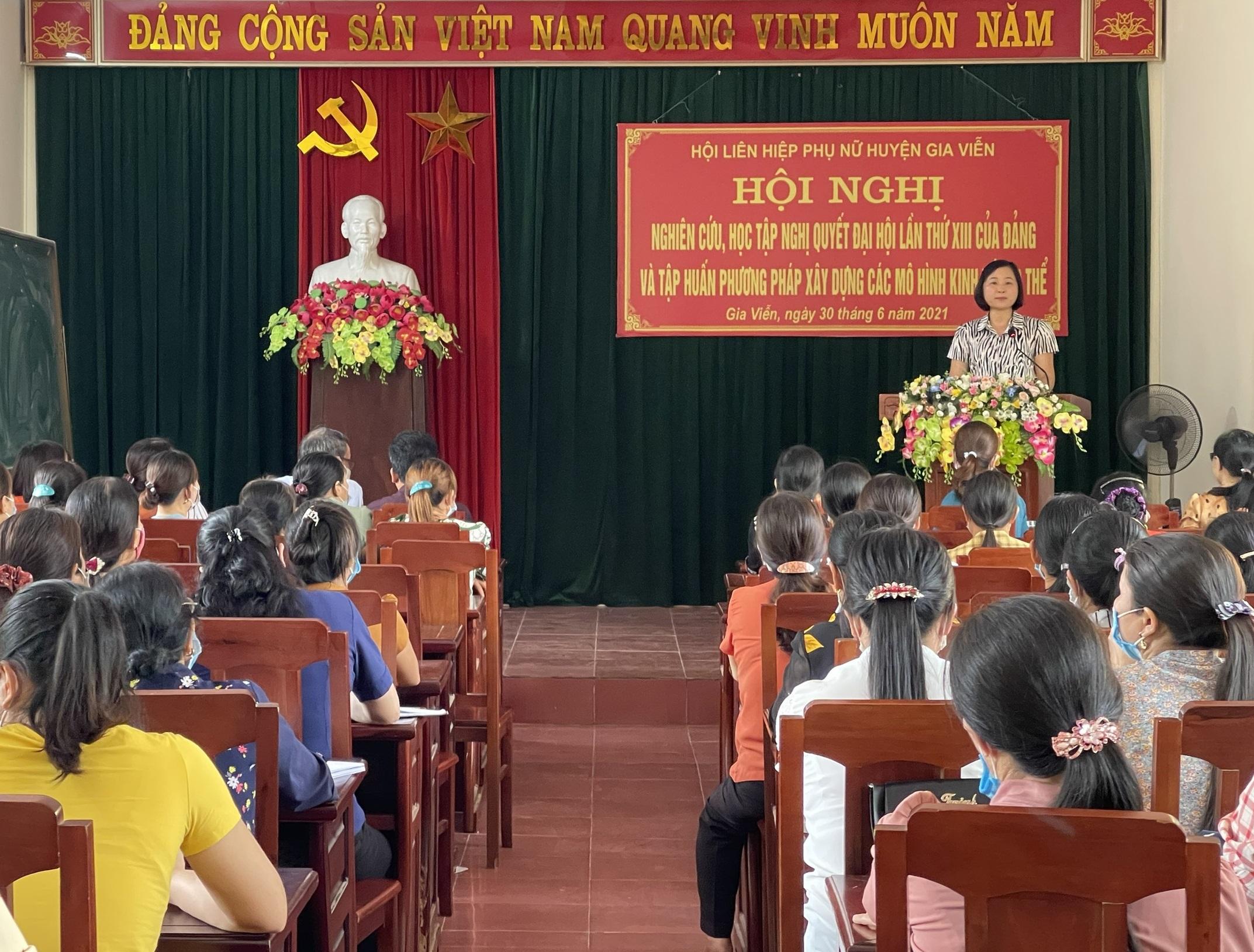 Hội LHPN huyện tổ chức hội nghị nghiên cứu, học tập Nghị quyết Đại hội lần thứ XIII của Đảng và tập huấn phương pháp xây dựng các mô hình kinh tế tập thể