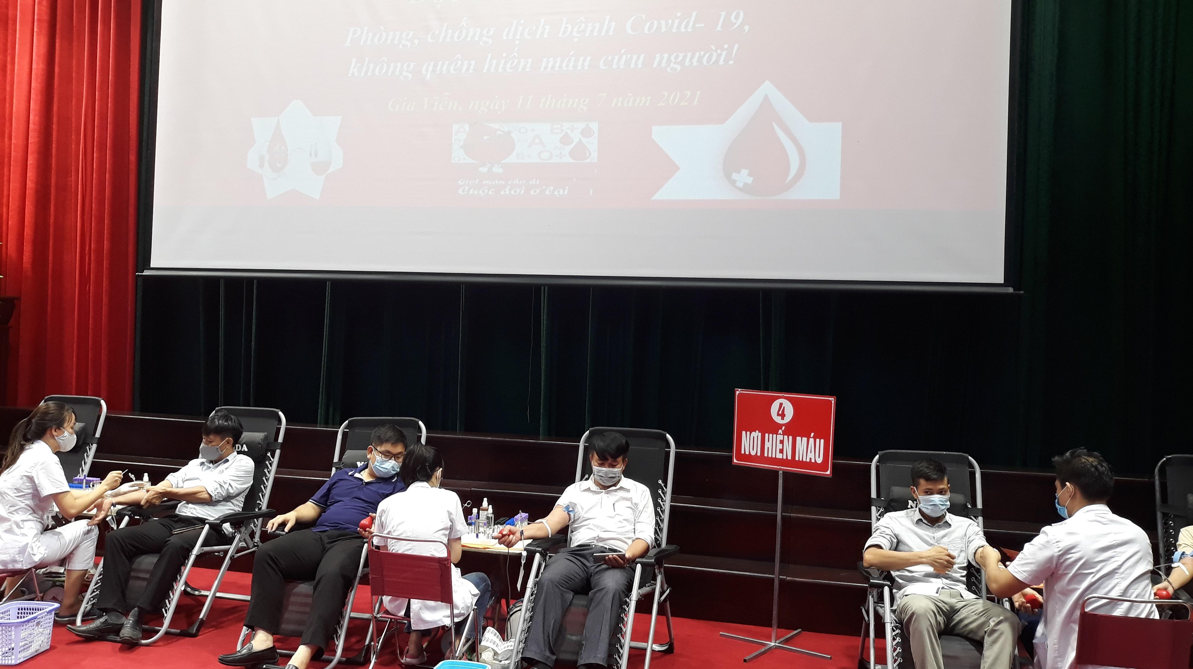"""Gia Viễn tổ chức """"Ngày hội hiến máu tình nguyện"""" đợt 2 năm 2021"""